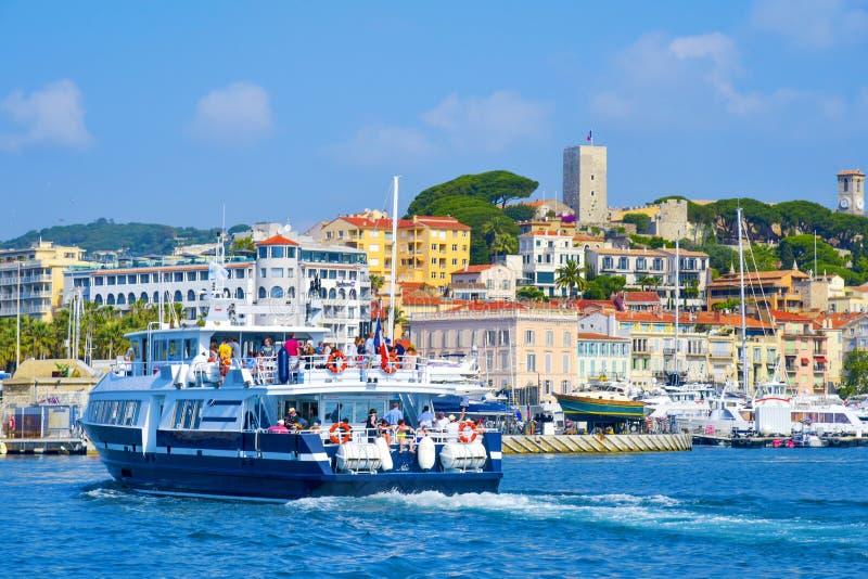 Puerto de Vieux en Cannes, Francia fotos de archivo