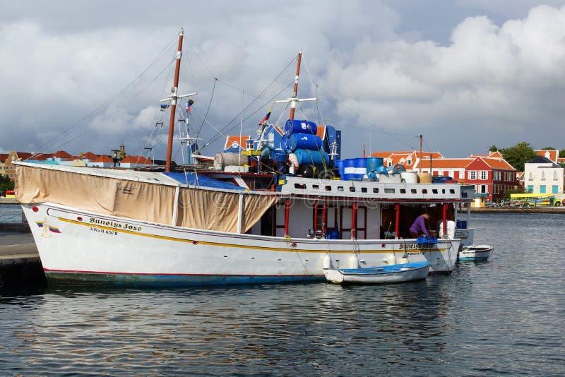 Puerto de Willemstad, Curaçao, islas de ABC imagen de archivo