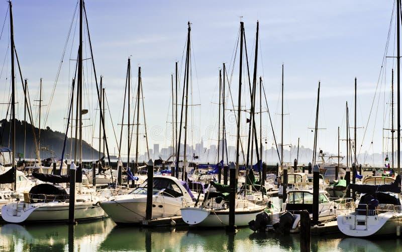 Puerto del bote pequeño de Tiburon foto de archivo
