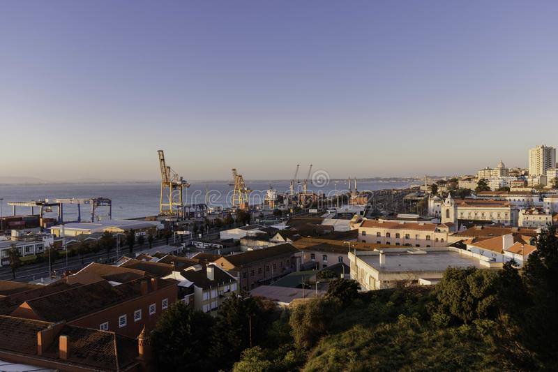Puerto del envase de Lisboa foto de archivo libre de regalías