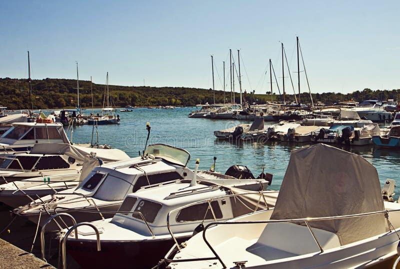 Puerto del mar adriático de Italia pequeño imágenes de archivo libres de regalías