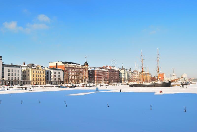 Puerto del norte de Helsinki en invierno foto de archivo