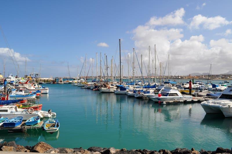 Puerto del yate de Corralejo imágenes de archivo libres de regalías