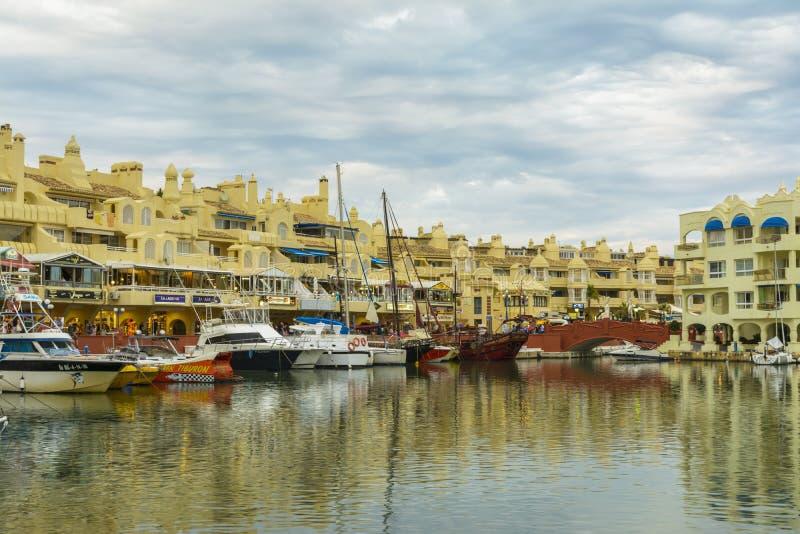 Puerto deportivo de Puerto, Benalmadena, España imagenes de archivo
