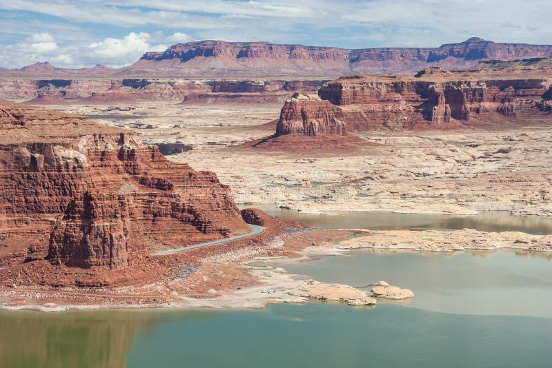 Puerto deportivo de Hite en el lago Powell y el río Colorado en Glen Canyon National Recreation Area foto de archivo