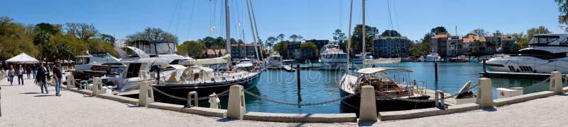 Puerto deportivo de la ciudad del puerto y panorama de la costa fotos de archivo libres de regalías