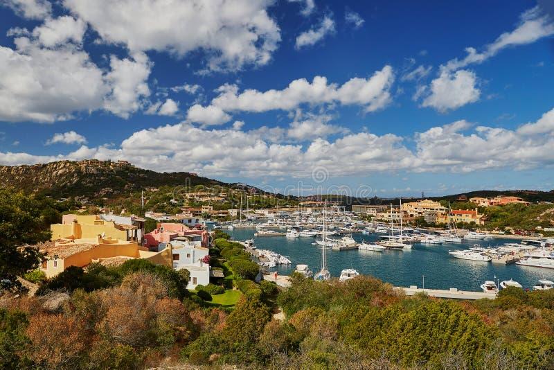 Puerto deportivo de Oporto Cervo, Emerald Coast, Cerdeña, Italia fotos de archivo