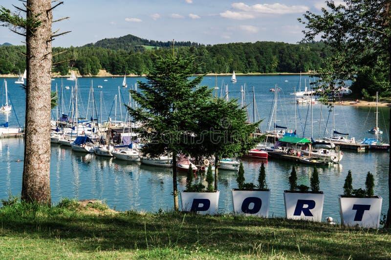 Puerto deportivo de Polanczyk imagenes de archivo