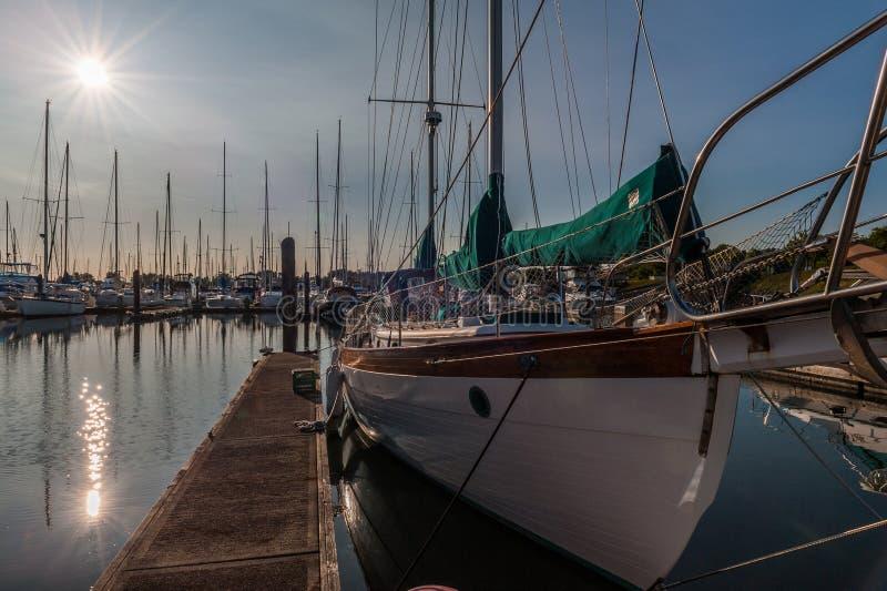 Puerto deportivo de Roberts del punto en el crepúsculo, foto de archivo