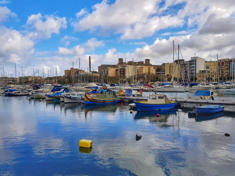 Puerto deportivo del yate de Sliema, Malta imagenes de archivo