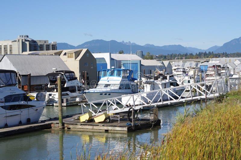 Puerto deportivo en Fraser River en Richmond, A.C. fotografía de archivo