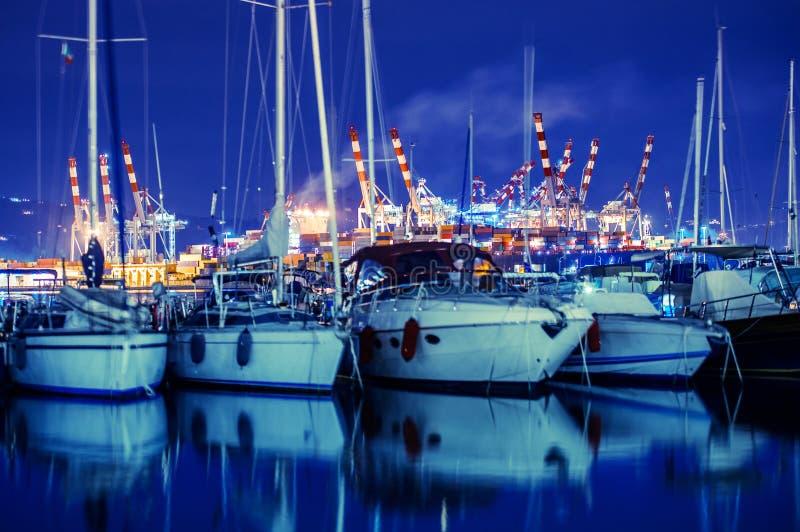 Puerto deportivo y cargo de Spezia del La imágenes de archivo libres de regalías
