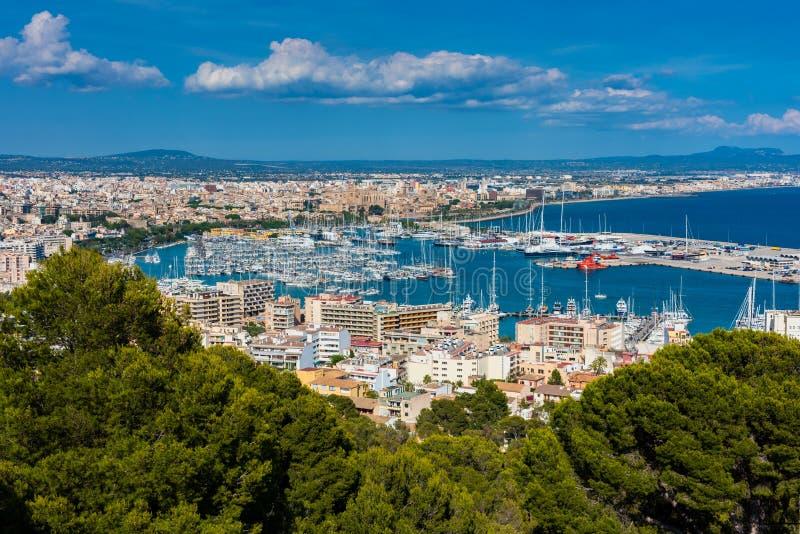 Puerto deportivo y puerto de Palma de Mallorca fotografía de archivo