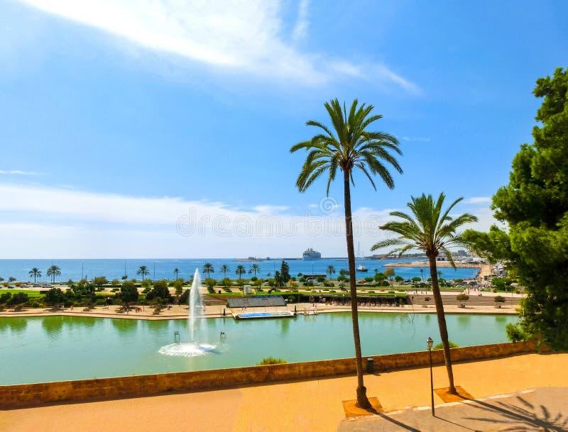 Puerto deportivo y puerto de Palma de Mallorca fotos de archivo