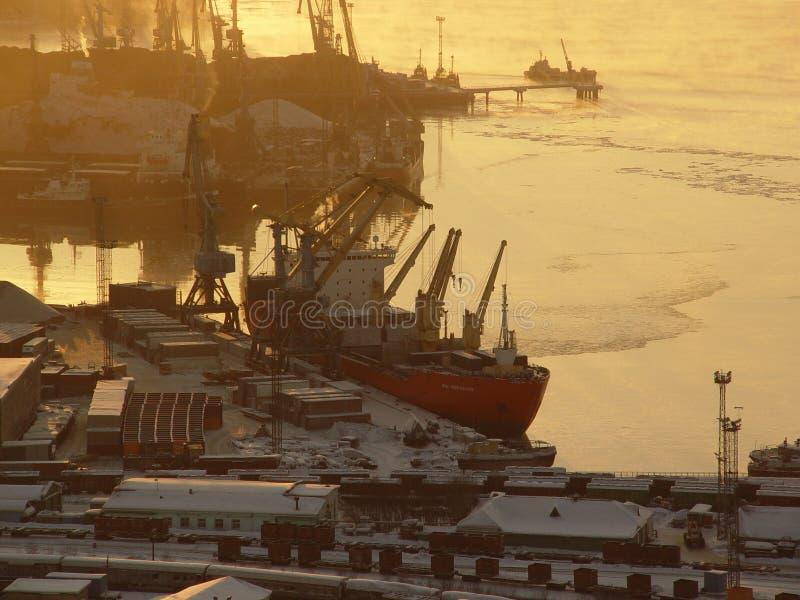 Puerto en la Murmansk foto de archivo