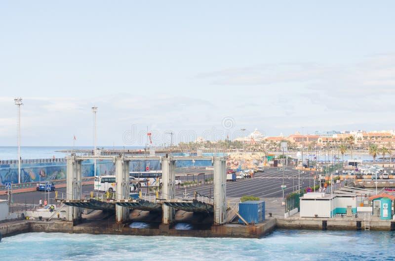 Puerto en Los Cristianos, islas Canarias, España foto de archivo libre de regalías