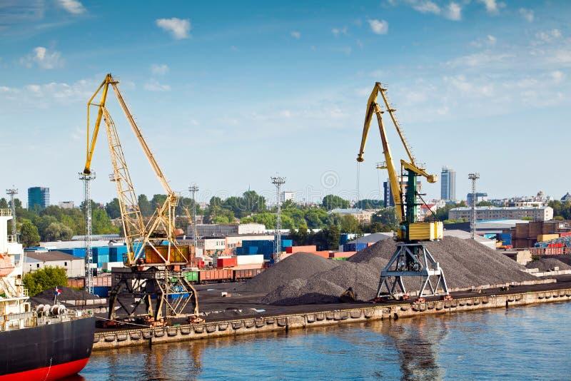 Puerto en Riga imágenes de archivo libres de regalías