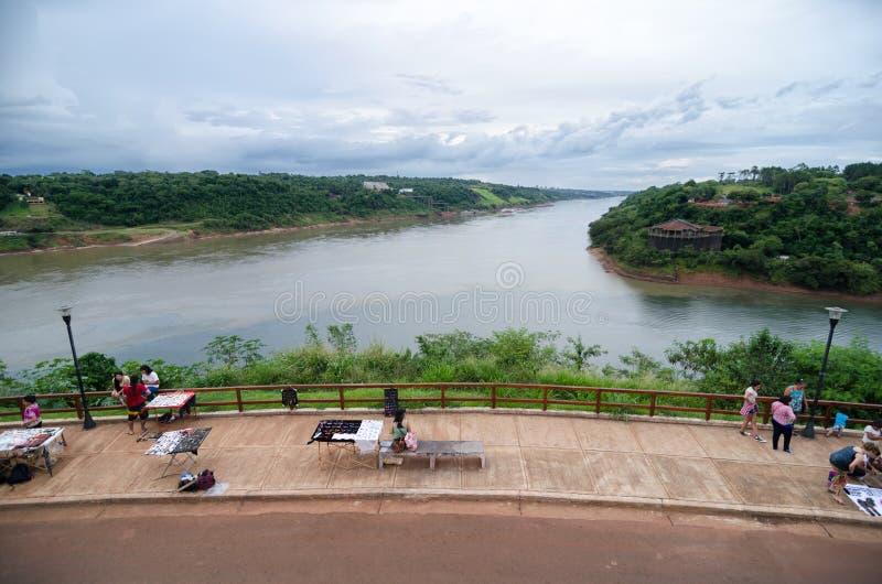 PUERTO IGUAZU, AGRENTINA, LE 28 NOVEMBRE 2016 : vue aérienne au métier photographie stock