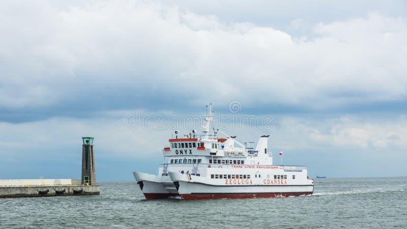 Puerto inminente de la nave del placer de Gdynia imagenes de archivo