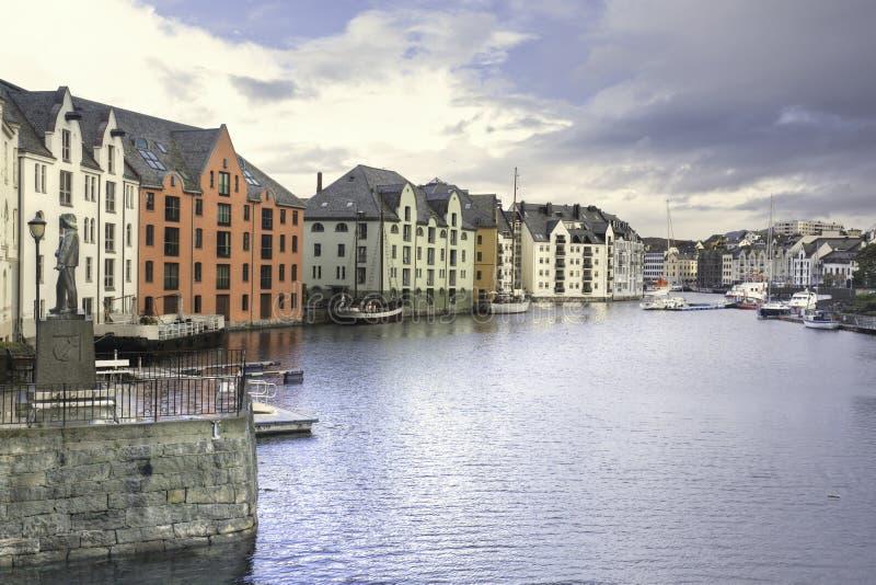 Puerto interno de Alesund foto de archivo