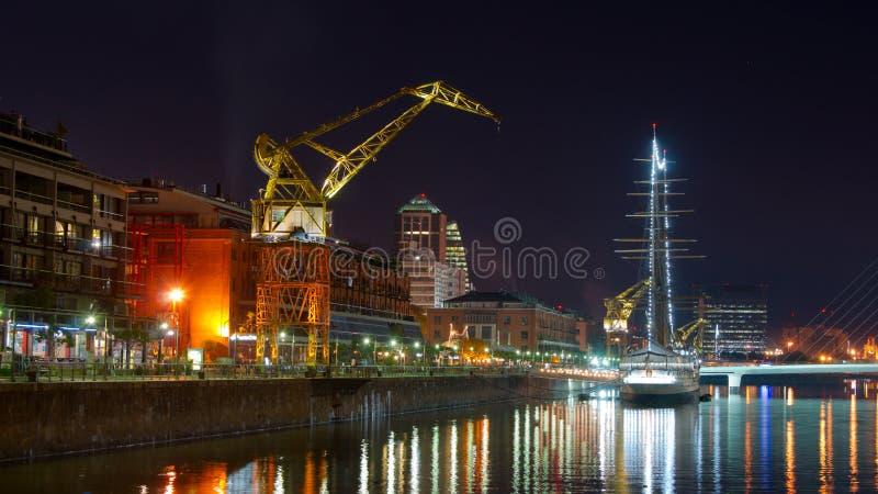 Download Puerto Madero fotografering för bildbyråer. Bild av färgrikt - 27278073