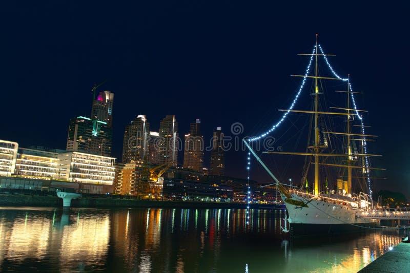 Puerto Madero bij Nacht, Buenos aires, Argentinië. royalty-vrije stock afbeelding