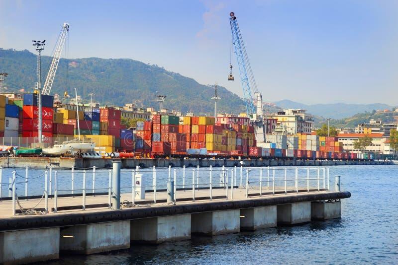 Puerto marino del cargo de Spezia del La imagen de archivo