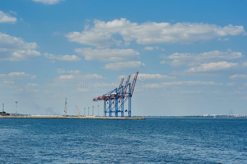 Puerto marino del cargo en Odessa imagen de archivo libre de regalías
