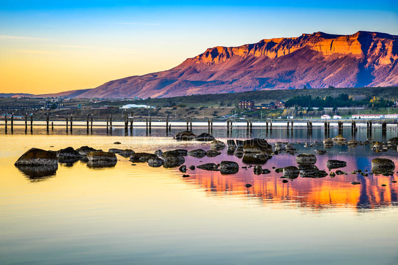 Puerto Natales, o Chile, Ámérica do Sul foto de stock