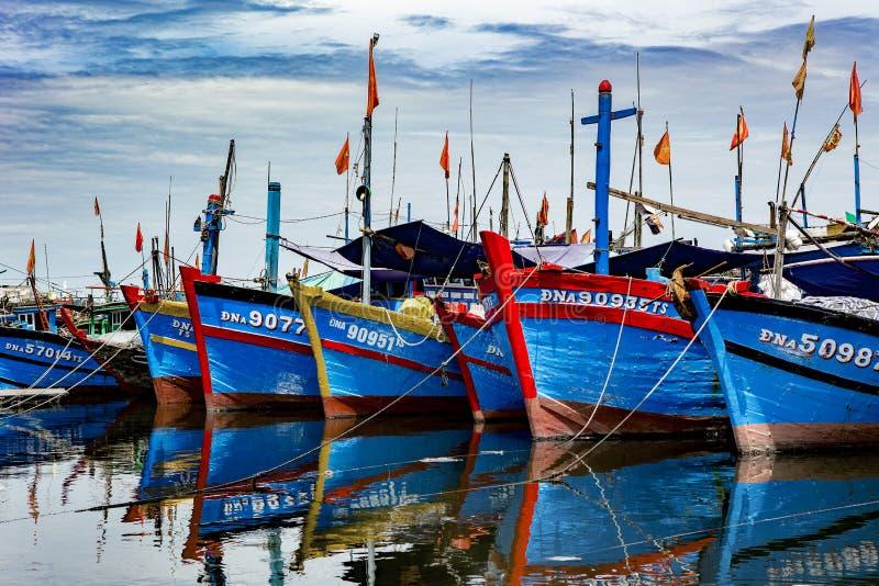 Puerto pesquero en danang en Vietnam imagen de archivo