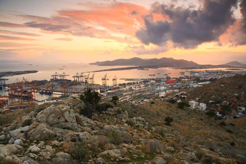 Puerto Pireo, Atenas del envase foto de archivo libre de regalías