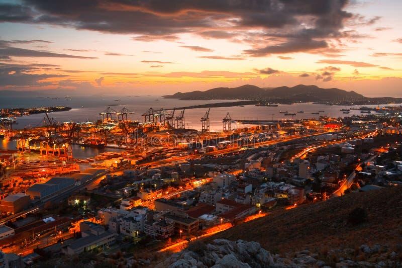 Puerto Pireo, Atenas del envase imágenes de archivo libres de regalías