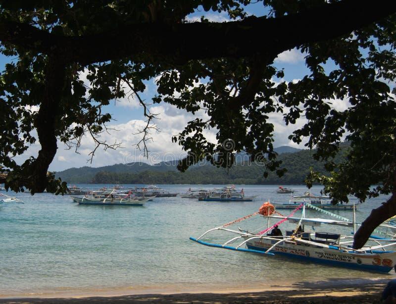 Puerto Princesa, Palawan, Filipiny: Seascape z łodziami obraz stock