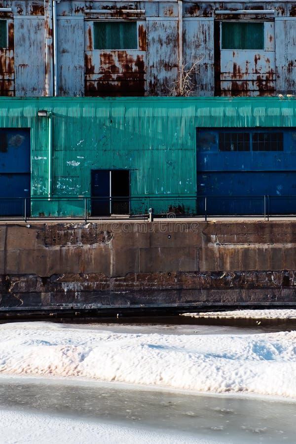 Puerto viejo texturizado Montreal del edificio industrial foto de archivo