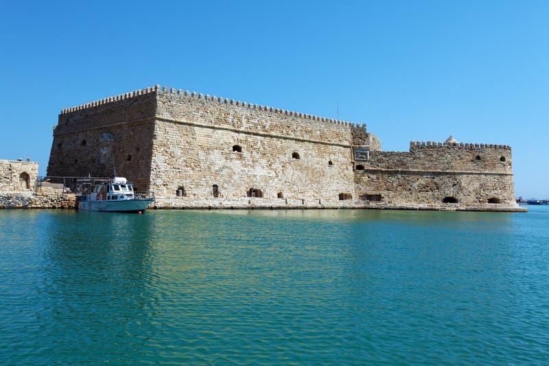 Puerto y fortaleza, Creta de Heraklion imagen de archivo
