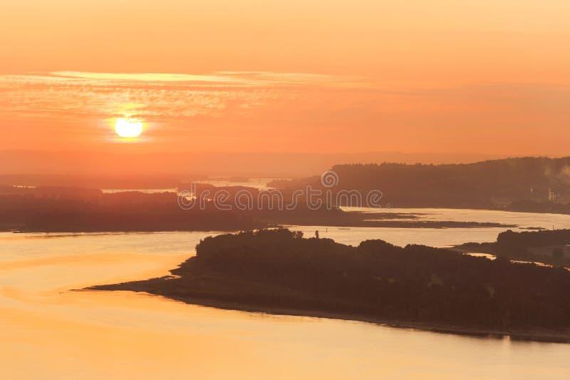 Puesta de sol sobre el río Columbia imágenes de archivo libres de regalías