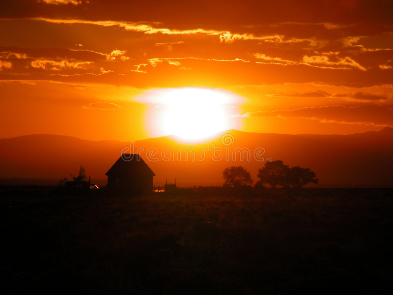 Download Puesta del sol imagen de archivo. Imagen de cortijo, sunsets - 25321