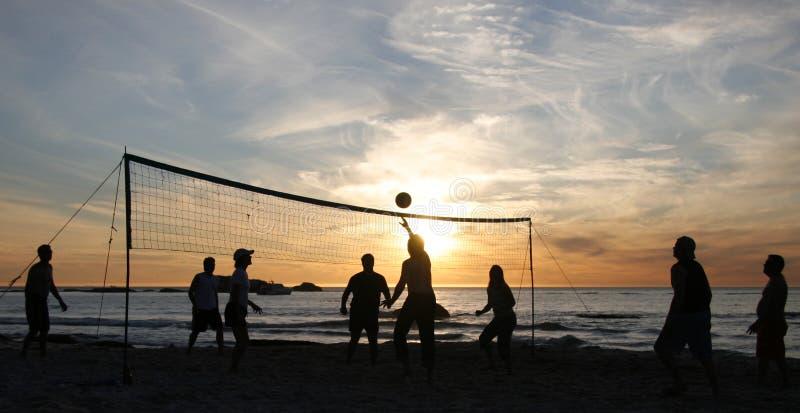 Puesta del sol 3 del voleibol de la playa fotografía de archivo libre de regalías