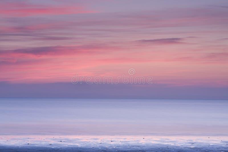 Puesta del sol abstracta del paisaje marino fotos de archivo