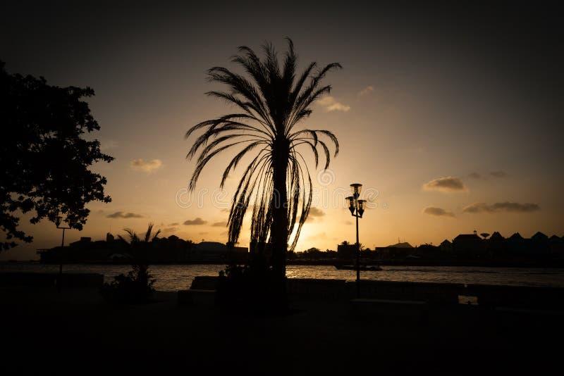 Puesta del sol alrededor de Willemstad fotografía de archivo