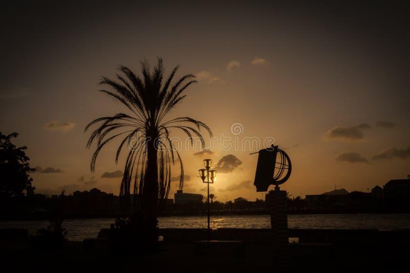 Puesta del sol alrededor de Willemstad fotografía de archivo libre de regalías
