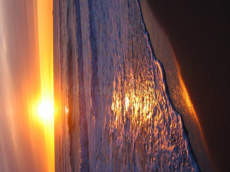 Puesta del sol amarilla caliente foto de archivo