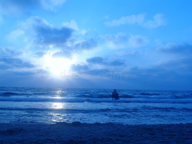 Puesta del sol azul fotografía de archivo libre de regalías