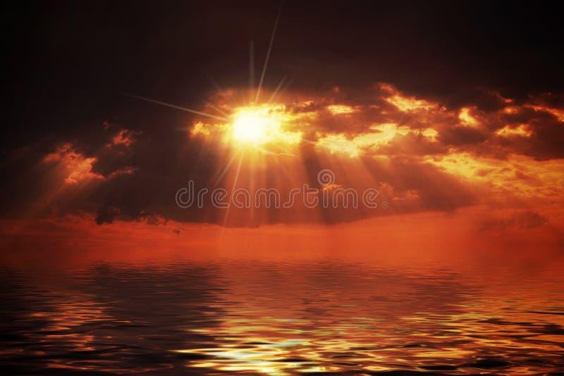 Puesta del sol caliente foto de archivo libre de regalías
