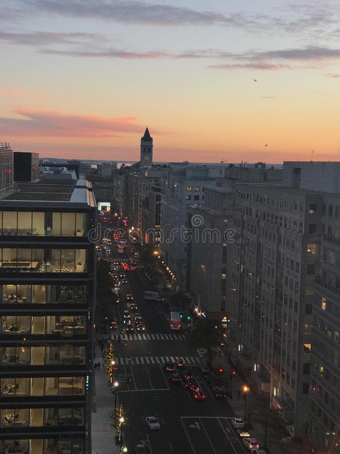 Puesta del sol del centro de ciudad fotos de archivo libres de regalías