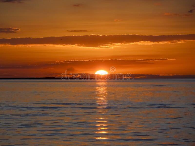 Puesta del sol cerca del calafate de Caye fotos de archivo libres de regalías