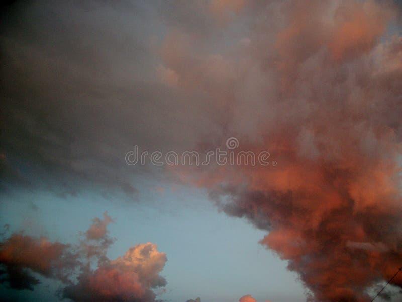 Puesta del sol del cielo fotografía de archivo libre de regalías