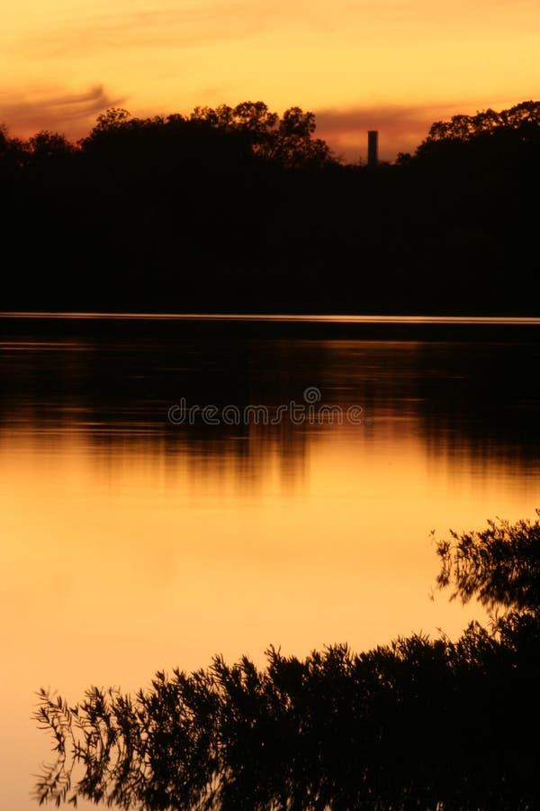 Download Puesta Del Sol Cubierta De Musgo Del Lago Foto de archivo - Imagen de sunrise, mármol: 7151952