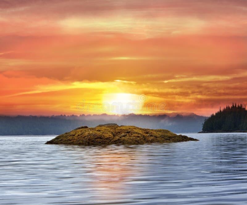 Puesta del sol de Alaska imagen de archivo libre de regalías