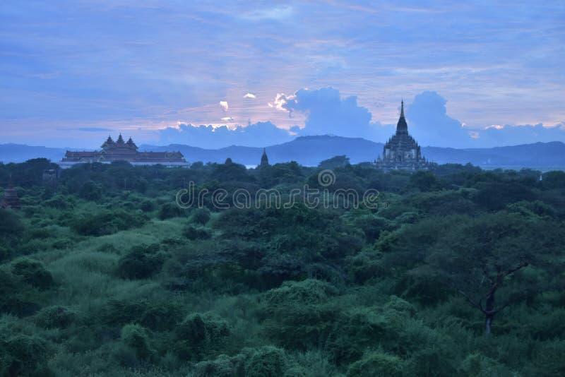 Puesta del sol de Bagan imagen de archivo libre de regalías